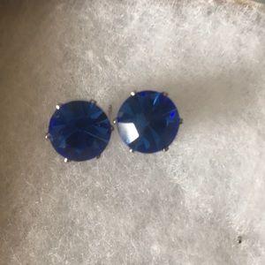 Jewelry - Stylish post earrings